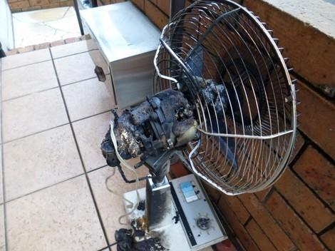 燃えた扇風機